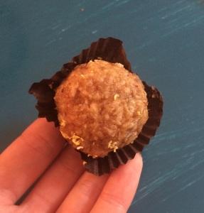 Lemon & Cashew Nut Energy Ball